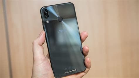 iphone 4 5 6 7 asus zenfone asus zenfone 5 has iphone x looks but not its price cnet