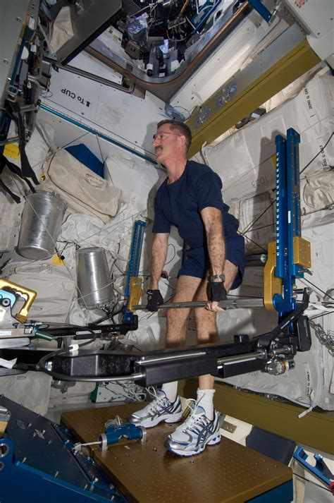 Big Bench Workout by Astronaut Chris Hadfield How To Lift Weights While