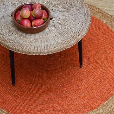 un tapis rond pour votre salon