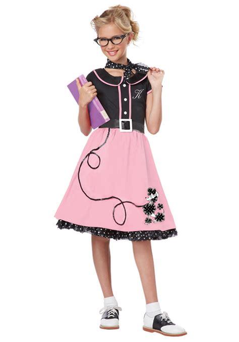 50 theme costumes hairdos 50s girl halloween costume ideas