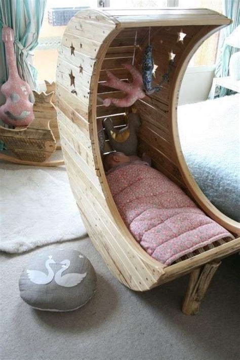 Diy Moon Pallet Crib Home - 15 adavanced and creative pallet bed ideas