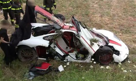 mclaren f1 wreck crashed hyper expensive and iconic mclaren f1 supercar