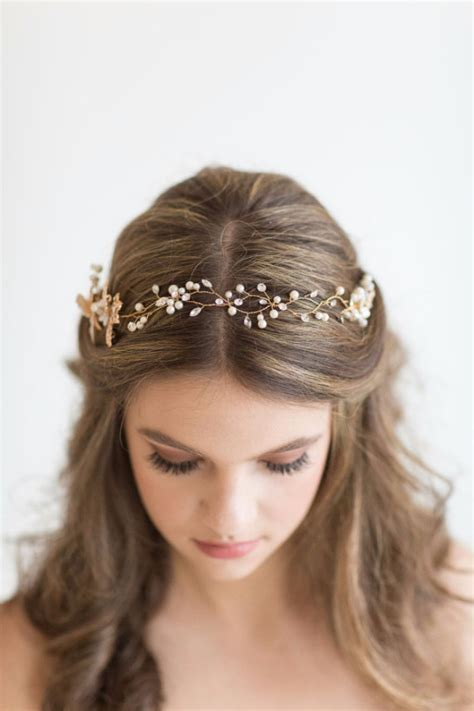 24 beautiful bridesmaid hairstyles for any wedding the goddess