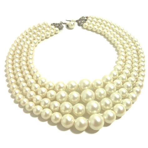 Faux Pearl Necklace 60s faux pearl necklace