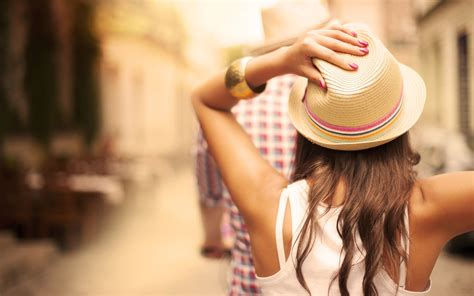 wallpaper girl with hat girl with hat and jewelry wallpaper