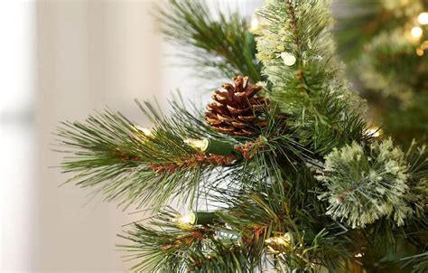 reviews of martha stewart alexander pine xmas trees martha stewart living 7 5 ft pine set artificial tree with pinecones