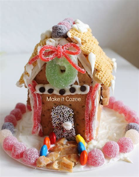 Gingerbread House With Graham Crackers by Make It Cozee Graham Cracker Gingerbread House