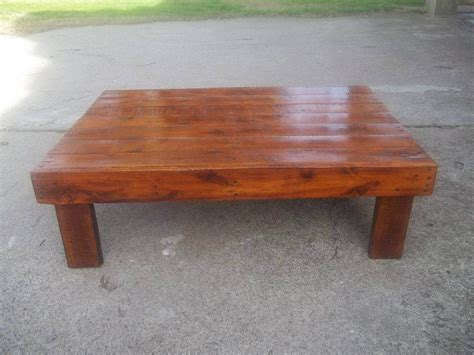 Wooden Pallet Coffee Tables Stained Wooden Pallet Coffee Table 99 Pallets