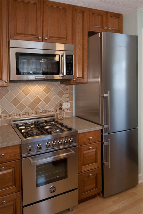 kitchen remodels for small kitchens small kitchen remodel elmwood park il better kitchens