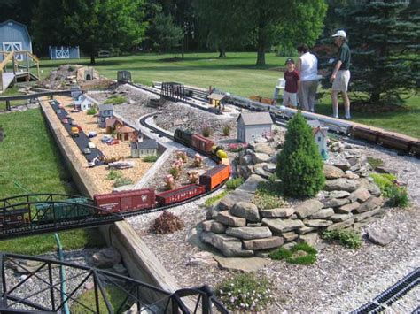 Garden Railroad Layouts Garden Railway Layouts Garden Railroads Garden Railways 25 Best Ideas About Garden Railroad
