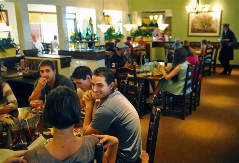 How To Get A Sold Out Olive Garden Never Ending Pasta Pass Today Tap And Order Olive Garden Putting Tablets At Tables Orlando Sentinel