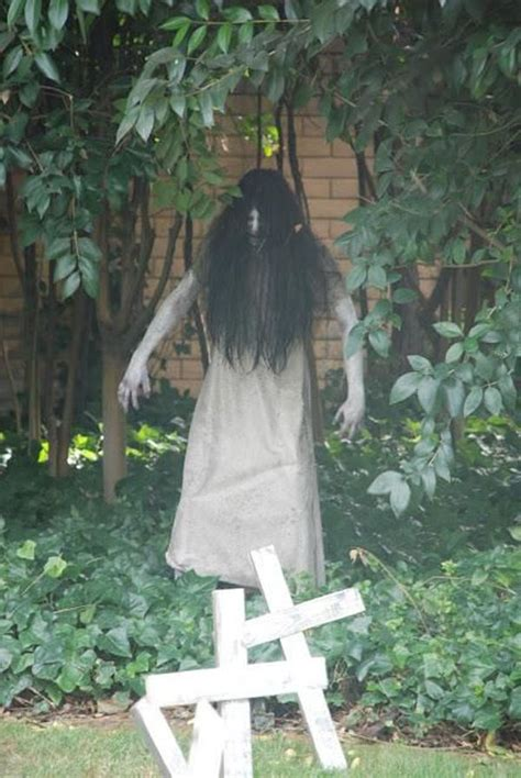 diy creepy halloween decorations best 25 scary outdoor halloween decorations ideas on