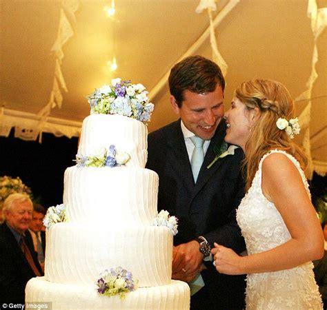 Jennas Divorce Getting Reallll by Bush Hager Delight For Former President