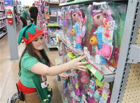 deptford walmart prepares for last christmas shopping push