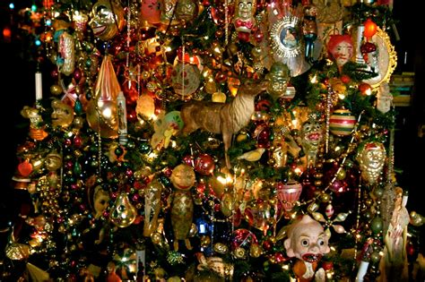 now this is a classic christmas tree scene by gina