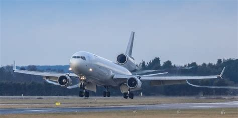 md11 freighter service to start at doncaster sheffield