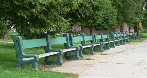 benches in park file grant nebraska city park benches 1 jpg wikimedia