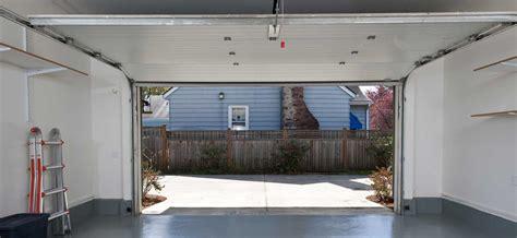 porte de garage prix prix portes de garage prix selon le type et le mat 233 riau