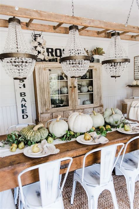 Rustic Dining Table Decor by 17 Best Ideas About Farmhouse Table Centerpieces On