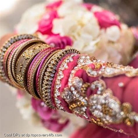 Most Beautiful Stylish Bridal Pic For Dps by Bridal Bangles Pics For Www Imgkid The