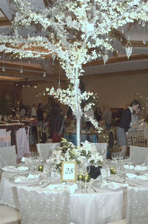 25 best ideas about wedding theme on bling wedding themes bling wedding