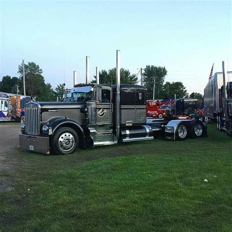 old kw trucks best 25 kenworth trucks ideas on pinterest semi trucks