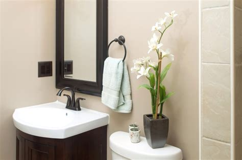 ideas to decorate small bathroom ideas for bathroom decor small bathroom decorating ideas