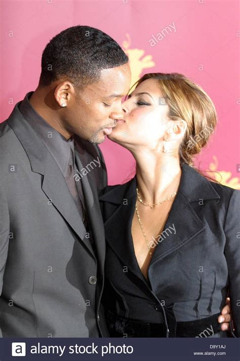 hitch actress eva mendes will smith and eva mendes at the photocall of the