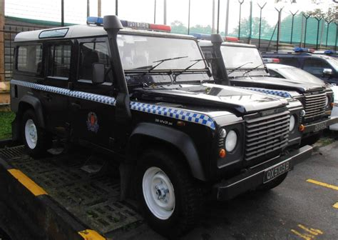 land rover singapore file singapore police force land rover defender jpg