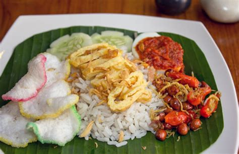 video cara membuat nasi uduk betawi resep nasi uduk betawi spesial lezat dan nimat resep harian