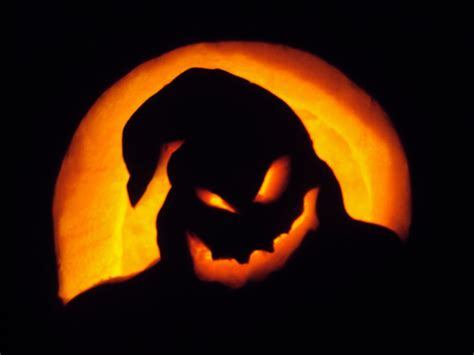oogie boogie pumpkin carving by smileyhearts on deviantart