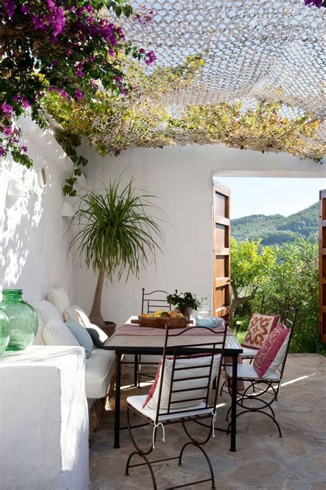 mediterranian courtyard gardens courtyards and verandas pinterest 175 best images about porches verandas balconies and