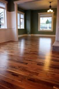 the color and shading in the floor and even the color
