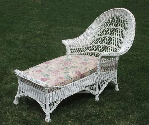 chaise lounge bar bar harbor wicker chaise lounge at 1stdibs