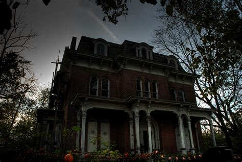 most haunted house in america world s most stereotypical looking haunted mansion for