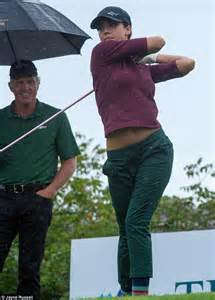 greg connors swing like a pro jessica alba looks like a pro during golfing event in