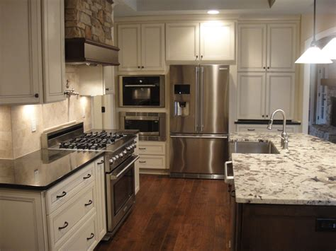 Backsplash For A White Kitchen by Oil Rubbed Bronze Door Knobs Kitchen Traditional With 2nd
