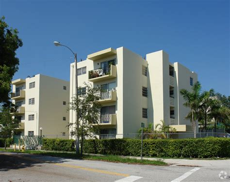 Santa Appartments by Santa Clara Apartments Rentals Miami Fl Apartments