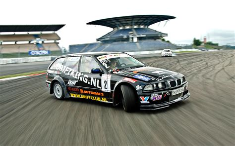 modified race bmw motorsport racing cars pictures and history bmw