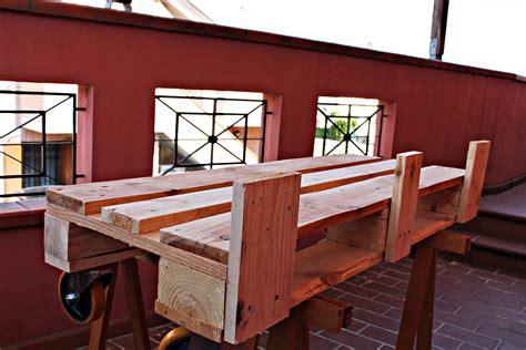 costruire una panchina panca fatta con bancali un75 pineglen