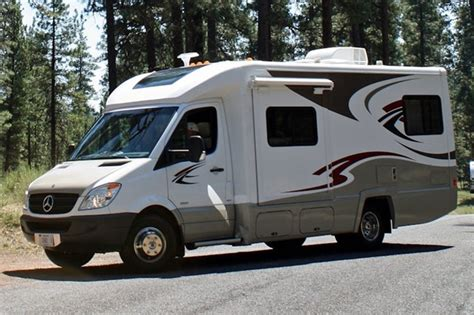 Class C Motorhomes explained ? with links to Class C manufacturers