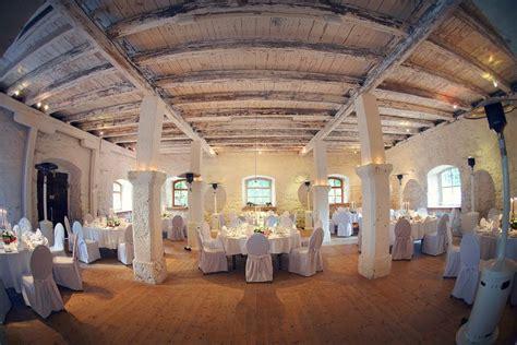 scheune vintage hochzeit auf schloss ehrenfels alte scheune wedding