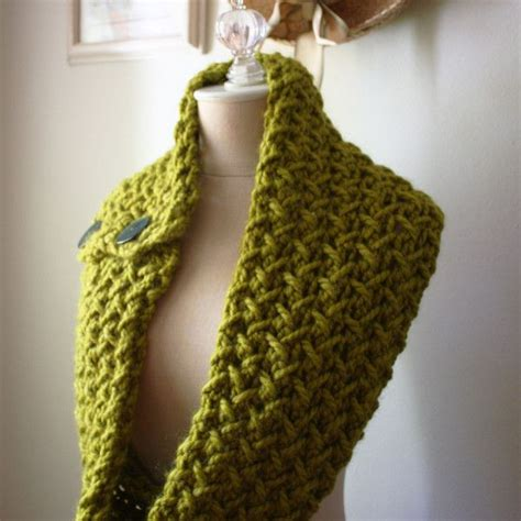 how to knit a scarf quickly embraceable cowl scarf knitting pattern knits