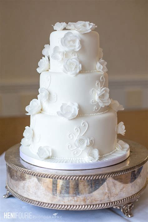 Beautiful Wedding Cakes by 40 And Simple White Wedding Cakes Ideas