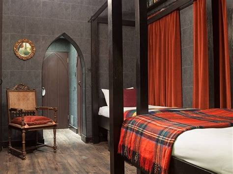 georgian house hotel harry potter harry potter fans will love this awesome hogwarts themed hotel room
