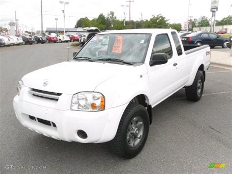 white nissan 2004 2004 avalanche white nissan frontier xe v6 king cab 4x4