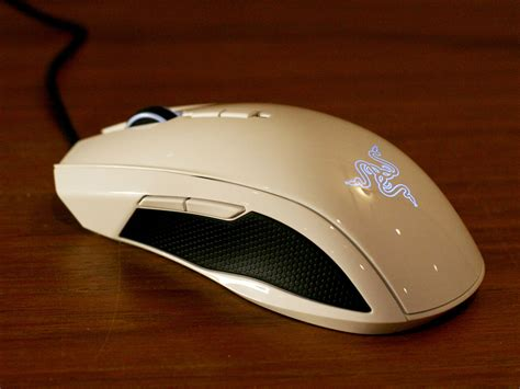 Mouse Razer Taipan improve your mac gaming with razer s kraken pro headset and taipan mouse imore