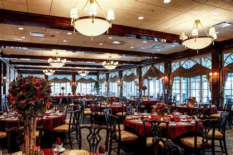 6 Luxurious Wedding Venues in the Chicago Suburbs   The