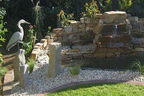 stein wasserfall garten teich mit wasserfall garten wasser stein