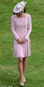 Garden Wear Uk Kate Middleton Recyles Emilia Wickstead Dress For